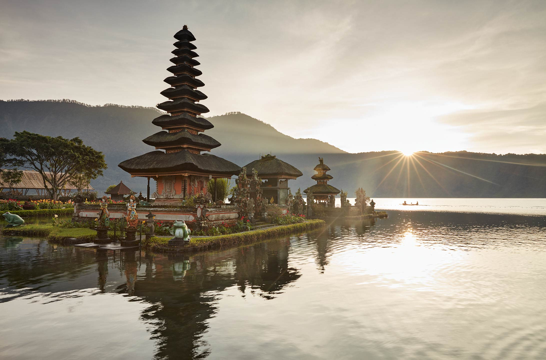 places_bali_bratan_temple_01